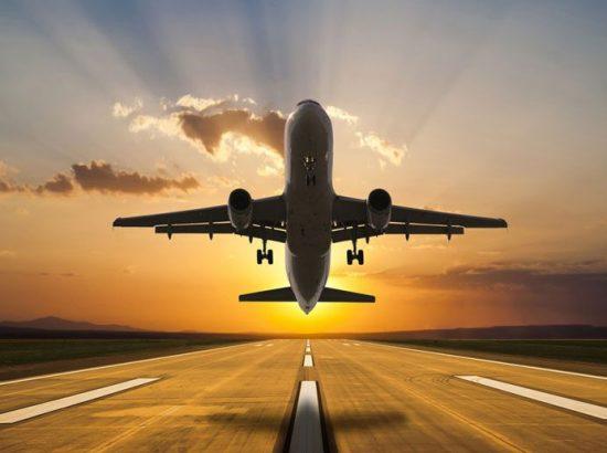 Passenger-airplane-taking-o-916x516